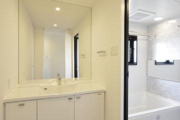 清潔で高級感のあるパウダールーム
