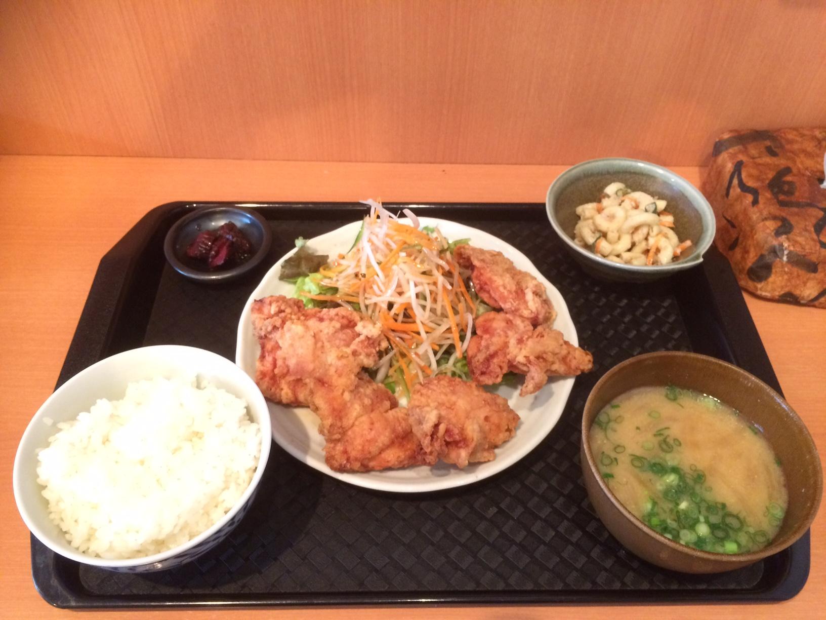 まんぷく定食 650円~「ちゃりき」