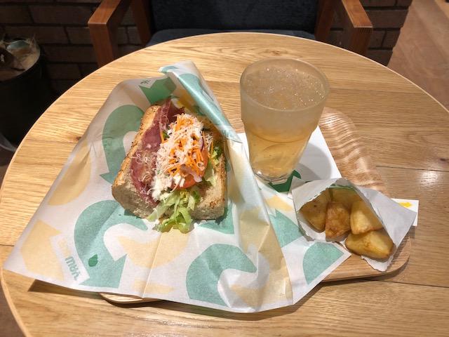 手軽に美味しく野菜もとれる「サブウェイ 六本松店」